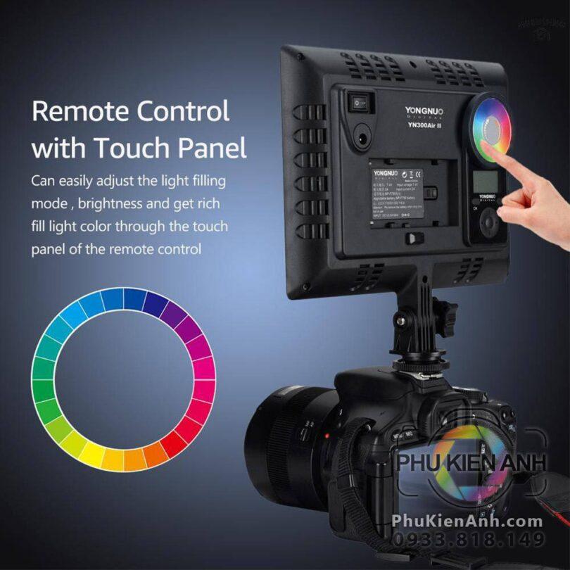 den-led-yongnuo-300-air-ii-RGB-co-remote-moi-(4)